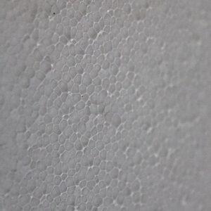 Гранулы ППС плотно прилегают друг к другу, обеспечивая повышенную плотность поверхности и глянец
