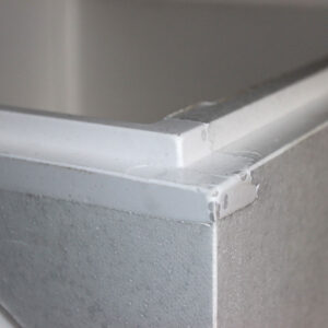 Пластиковые вставки встроены в массу ППС при изготовлении